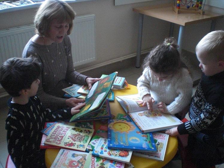 Читаем детям в детской поликлинике_3