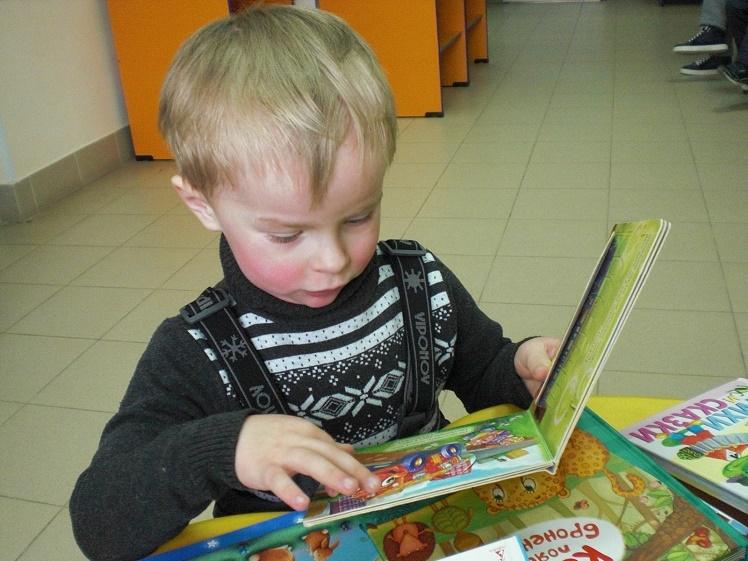 Читаем детям в детской поликлинике_5