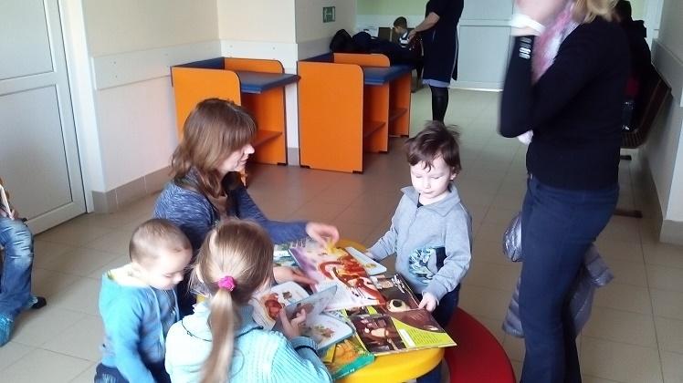 читаем детям в поликлинике_3
