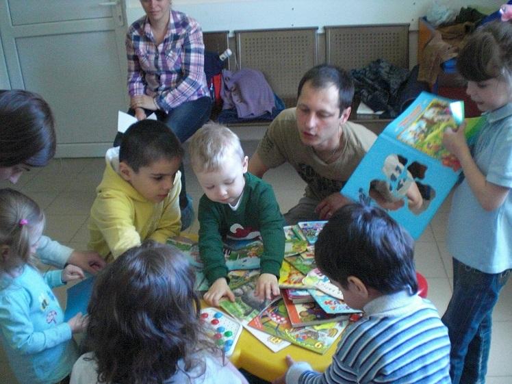 Читаем книги в поликлинике_май_4