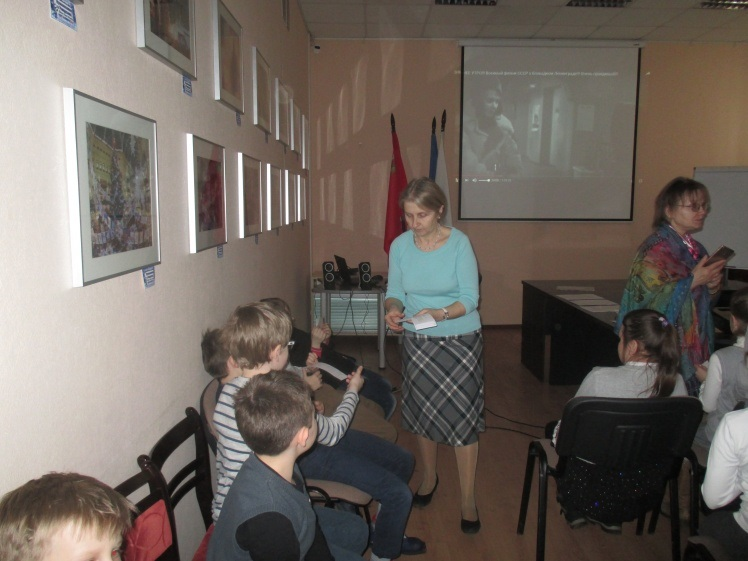 Дочь полка - встреча с учащимися школы №8 2 В и 3 Б классов - Центральная библиотека
