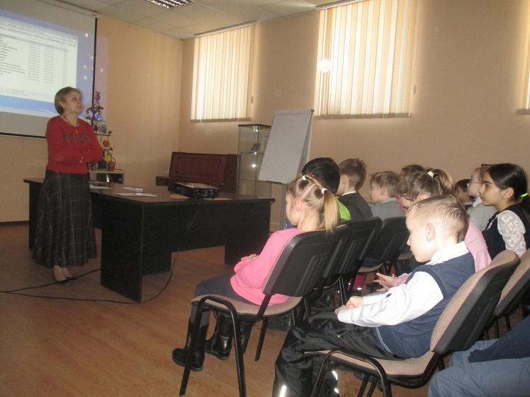 Дочь полка - встреча с учащимися школы №8 3 В и 4 В классов - Центральная библиотека