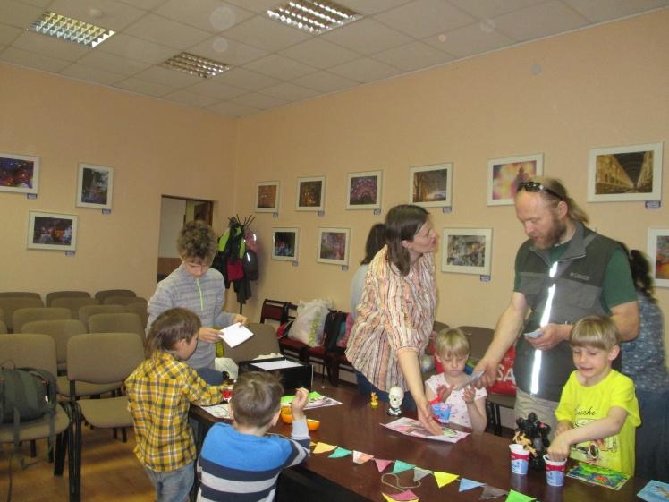 Весенняя выставка-ярмарка - Центральная библиотека 1