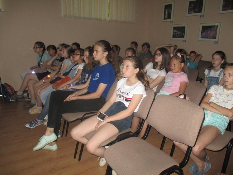 Дент памяти и скорби_летний лагерь школы №9_1