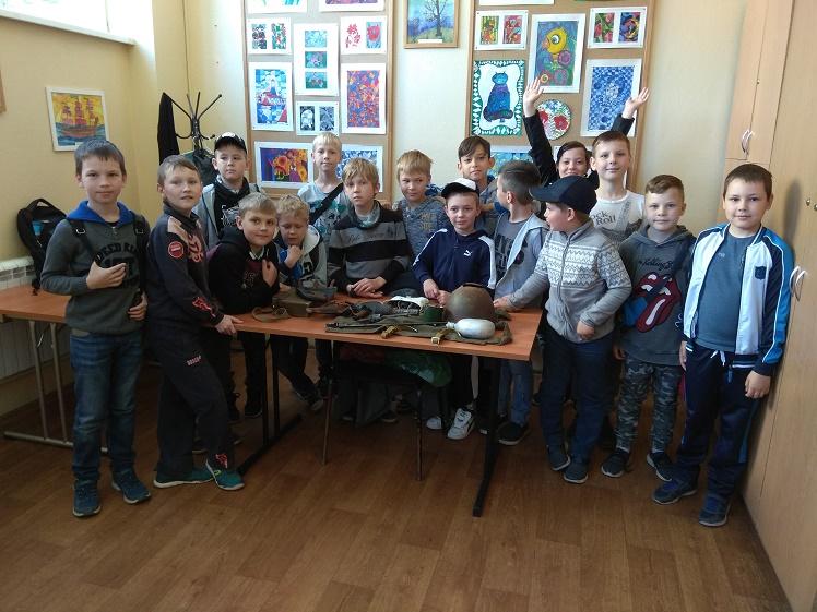 День памяти и скорби_летний лагерь школы №2 в ДК Чайка_1