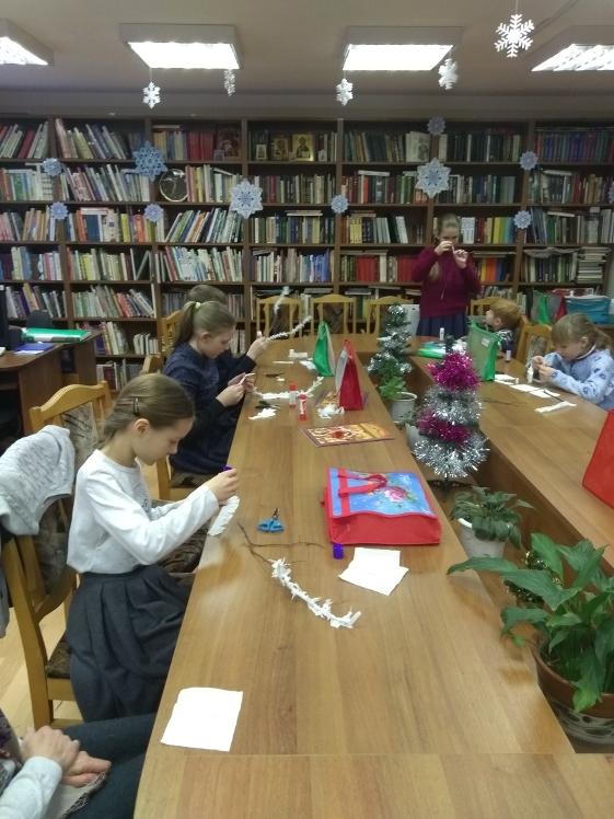Воскресные занятия в Детской библиотеке 30.12 (1)