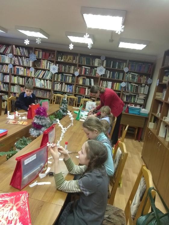 Воскресные занятия в Детской библиотеке 30.12 (11)