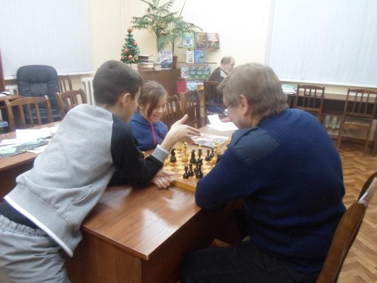 """Шахматный турнир """"Сыграем партию?"""" в библиотеке мкрн. Красная Поляна"""