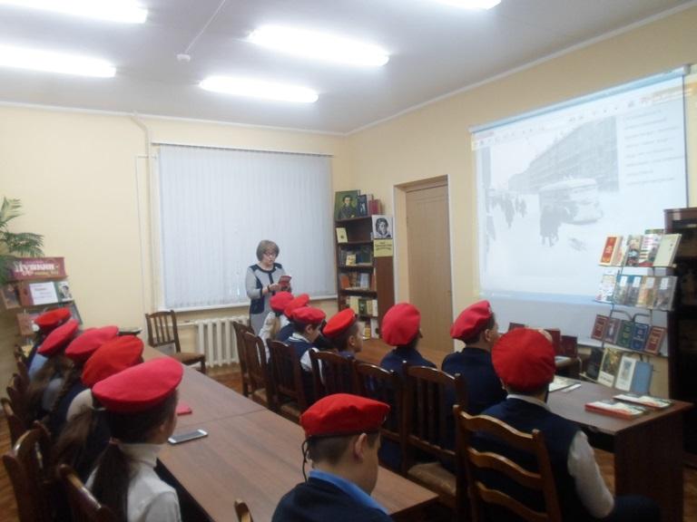 Был город-фронт, была блокада_Красная Поляна (7)