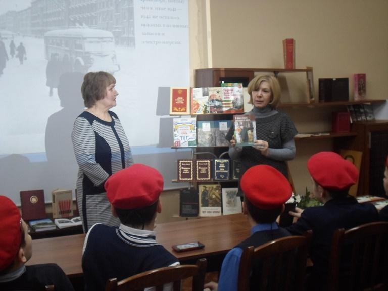 Был город-фронт, была блокада_Красная Поляна (4)