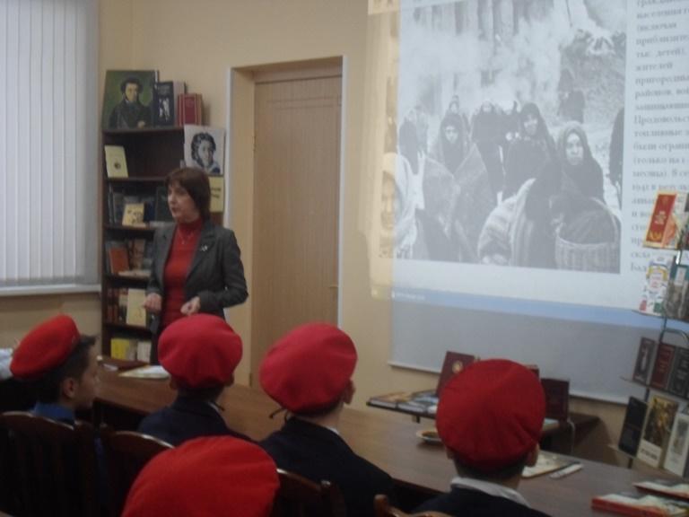 Был город-фронт, была блокада_Красная Поляна (14)