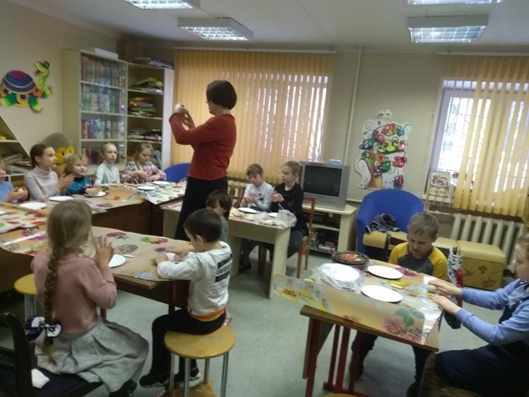 Воскресные занятия в Детской библиотеке 10.02 (11)