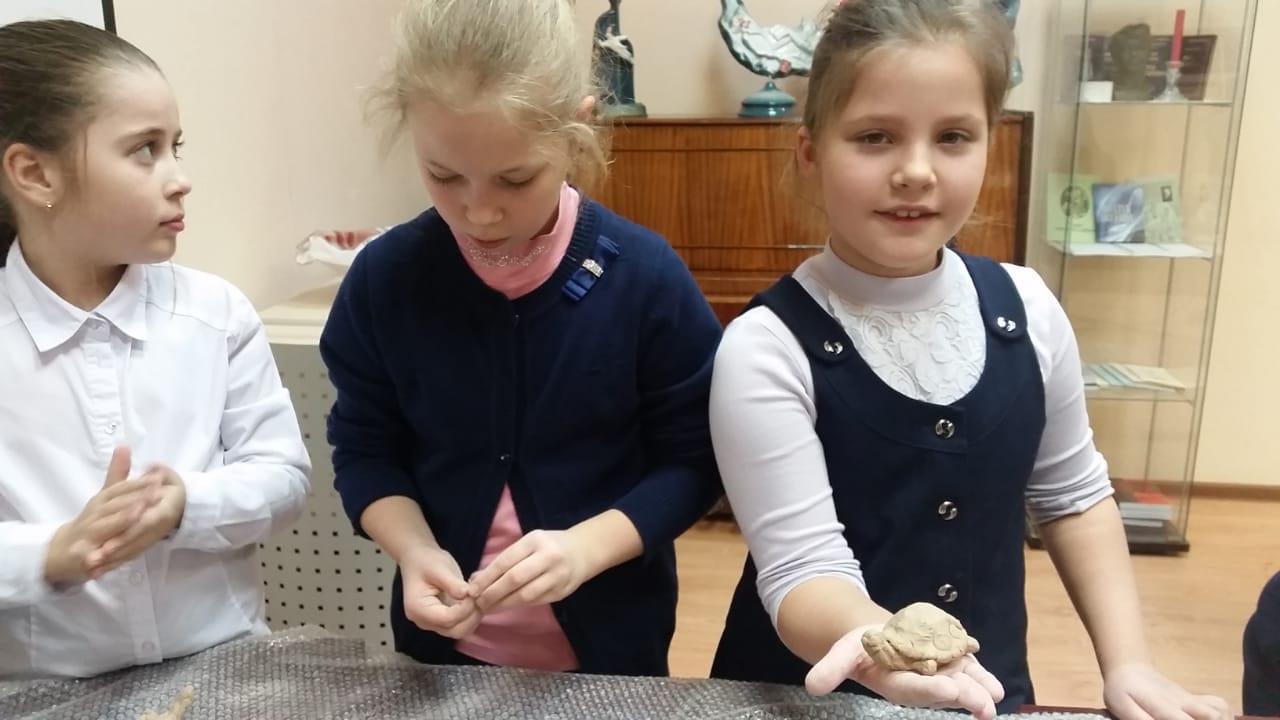Мастер-класс по лепке из глины - Центральная библиотека (2)