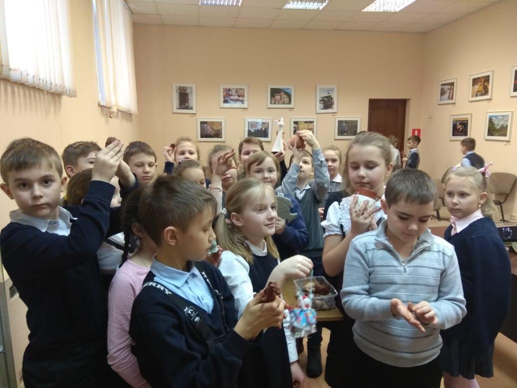 Русские народные промыслы. Глиняная игрушка - Центральная библиотека (2)