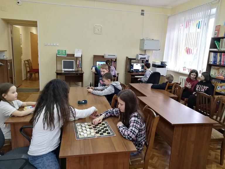 Каникулы в библиотеке_Красная Поляна (2)