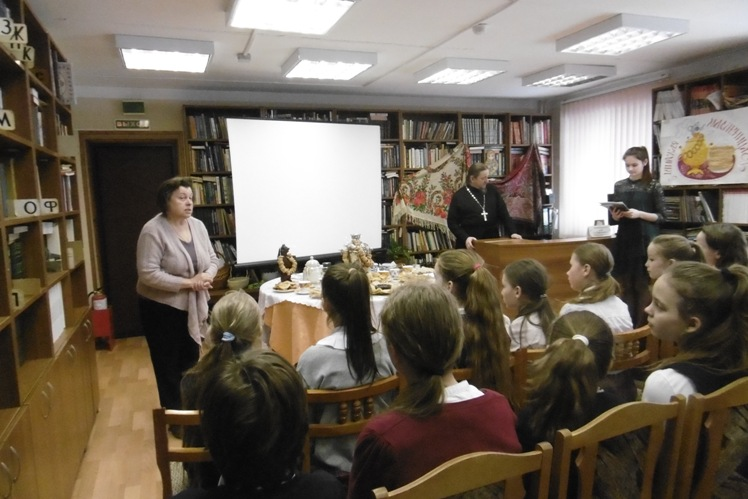 Поговорим о Масленице_ Детская библиотека (6)