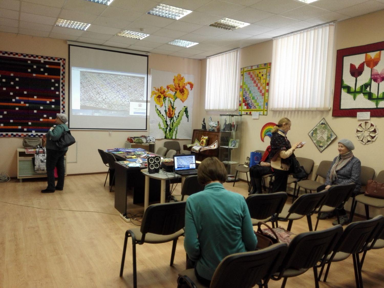 Выставка и презентация Натальи Миляевой - Центральная библиотека (7)