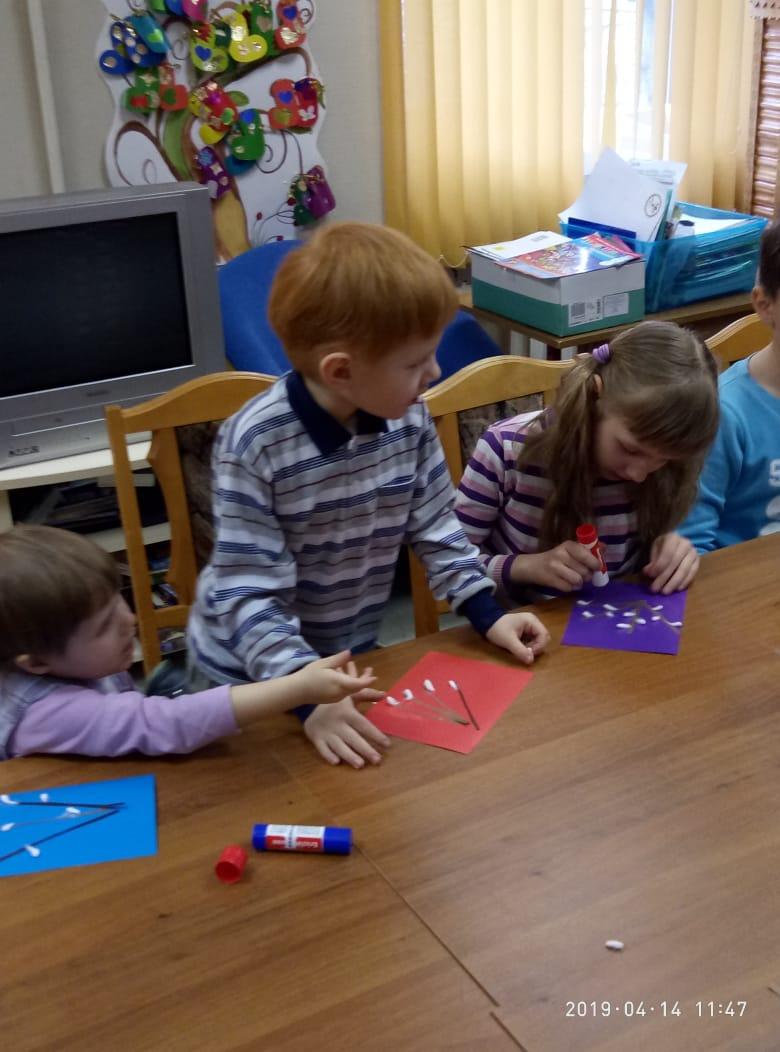 Воскресные занятия в Детской библиотеке_14.04 (7)