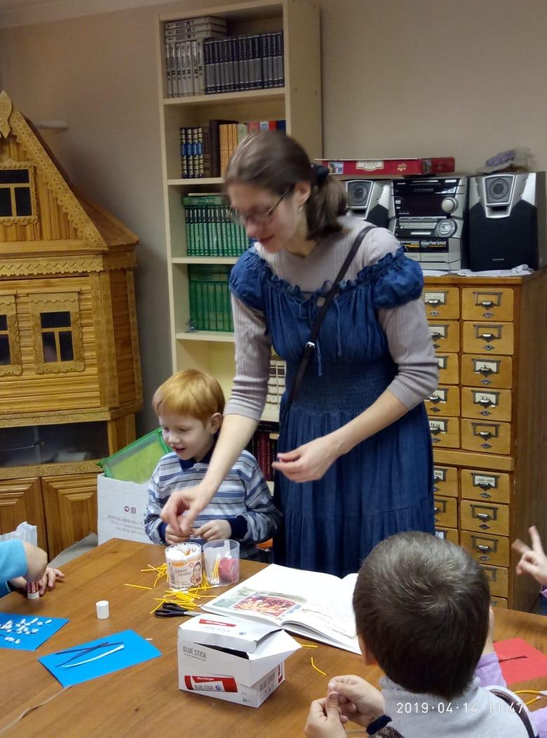 Воскресные занятия в Детской библиотеке_14.04 (9)