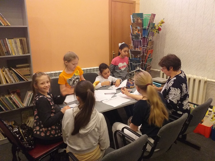 День космонавтики - библиотека Луговая