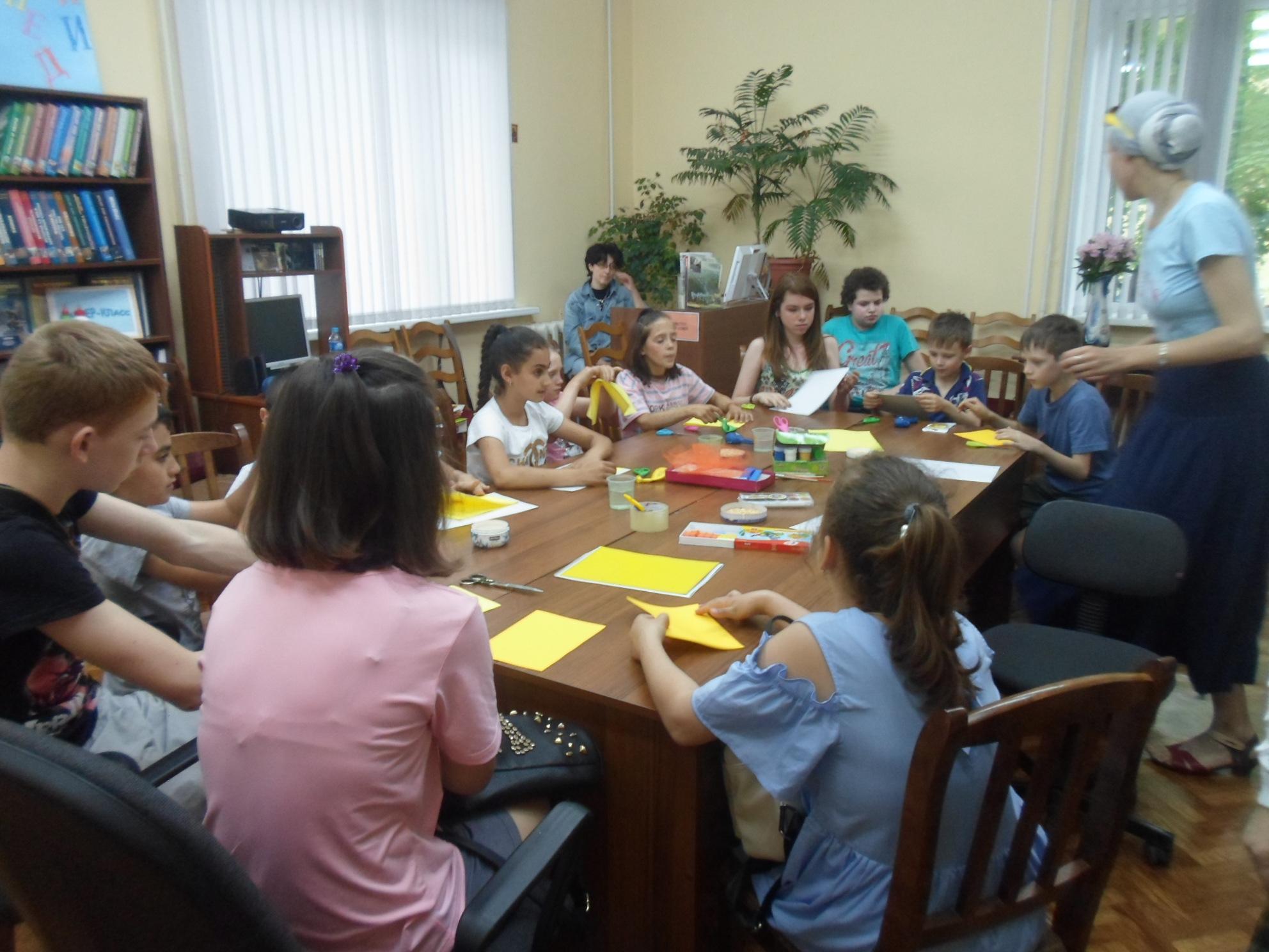 Открытка-коллаж «Золотая рыбка» - Краснополянская библиотека-2