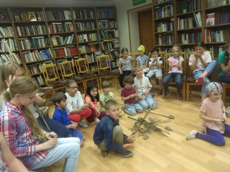 «Путешествие во времени»  в Детской библиотеке-1