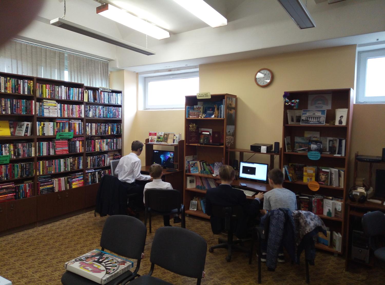 """Игротека в библиотеке - библиотека №5 мкрн.\""""Южный\""""-1"""
