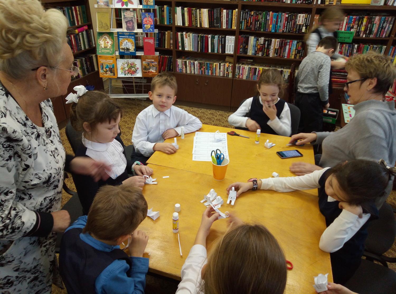 """Мастер-класс по изготовлению игрушек из бумаги - библиотека №5 мкрн. \""""Южный\""""-3"""