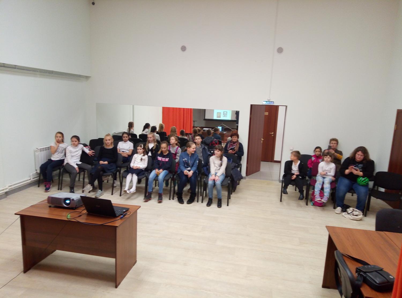 Обзор творчества детских писателей - библиотека №5 мкрн. Южный-1