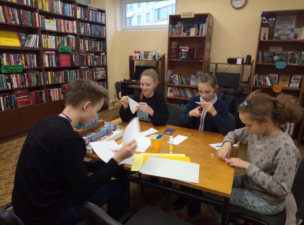 мастер-класс по изготовлению новогодних поделок - библиотека №5 мкрн. Южный-2