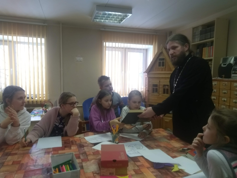 Воскресные занятия в Детской библиотеке-5