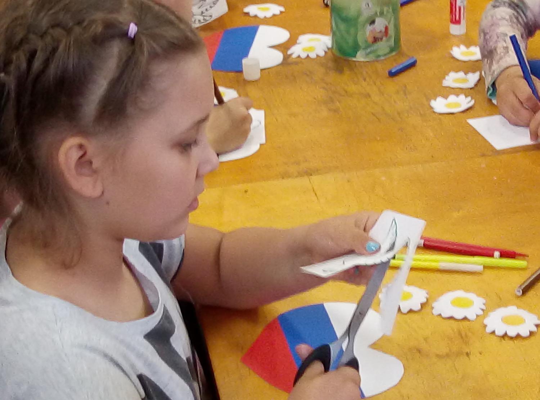 «Наш дом - Россия!» - мастер-класс по изготовлению открытки к Дню России-4